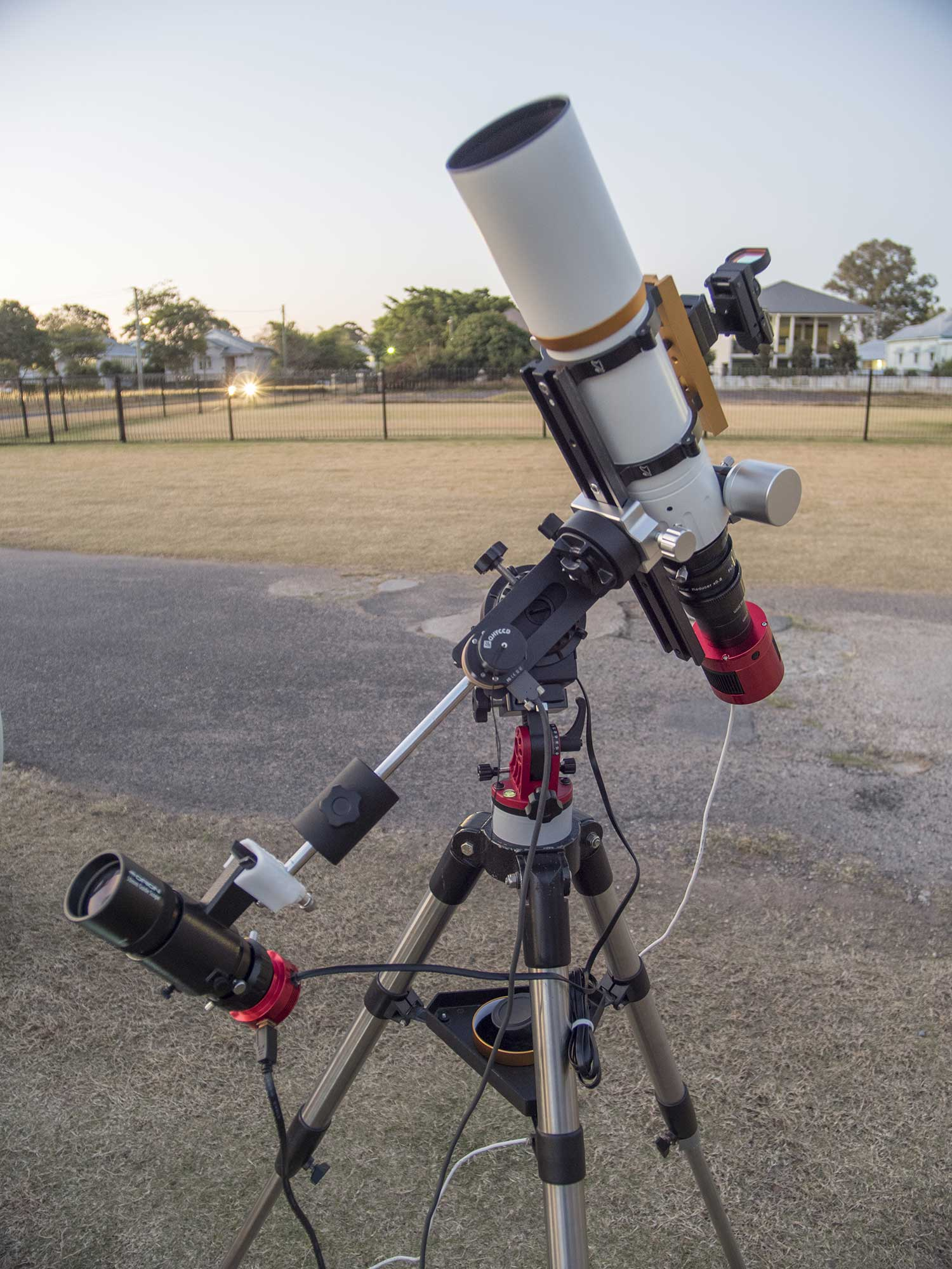 PHD2 Guiding with Star Adventurer Mount - William Optics GT71 with PoleMaster visible.