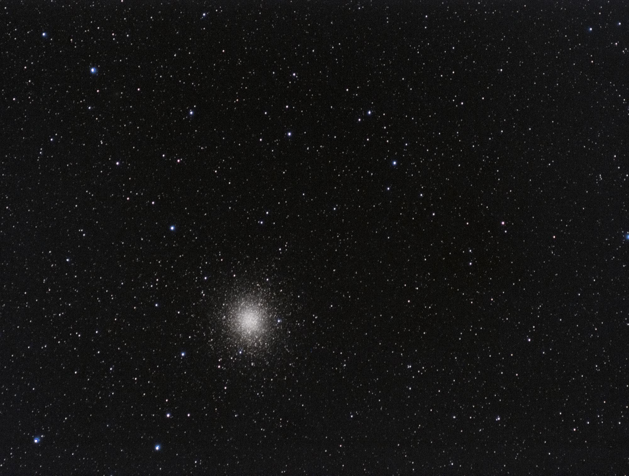 Omega Centauri astrophotography with Olympus OMD EM5 & OM 300mm - octanslab