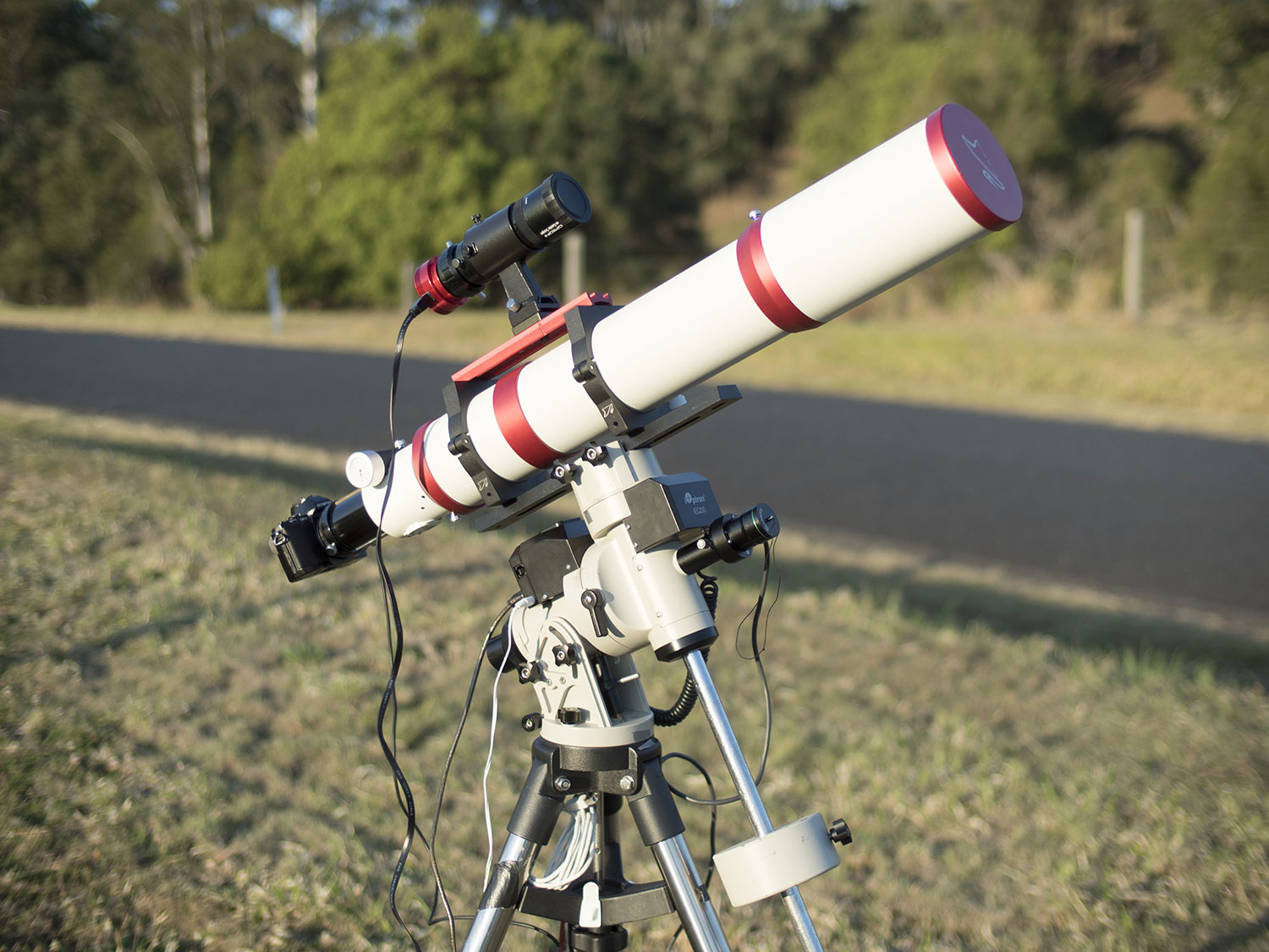 The William Optics GTf102mm f6.9 astrograph on an Ioptron IEQ30 mount