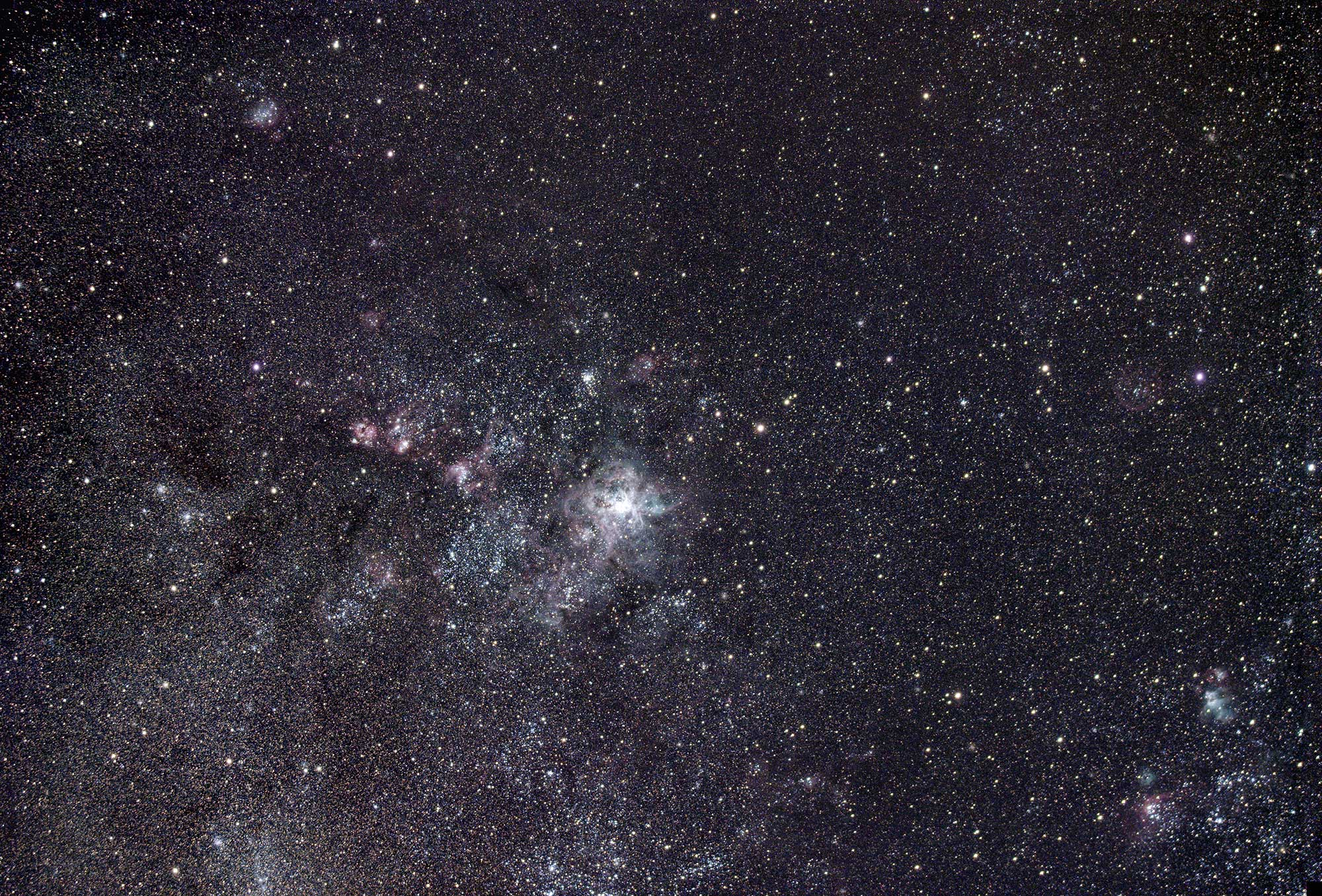 Stars of the constellation Lyra, 60 second exposure with Voigtlander 25mm and ASI 294