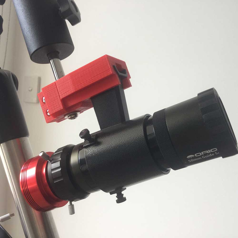 3D printed bracket attatched the Orion 50mm guide scope to the Star Adventurer mount